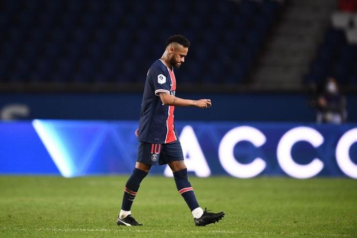 Đấm lén đối thủ trong lúc lộn xộn, Neymar nằm trong số 5 cầu thủ bị đuổi khỏi sân ở trận đấu nóng bậc nhất thế giới - ảnh 5
