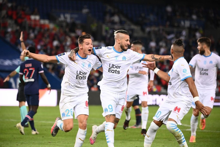 Đấm lén đối thủ trong lúc lộn xộn, Neymar nằm trong số 5 cầu thủ bị đuổi khỏi sân ở trận đấu nóng bậc nhất thế giới - ảnh 8