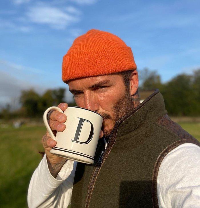 """Đăng ảnh ở tuổi 45 do chính cậu cả Brooklyn chụp, David Beckham khiến các fan """"điên đảo"""" vì vẻ nam tính khó cưỡng - Ảnh 2."""