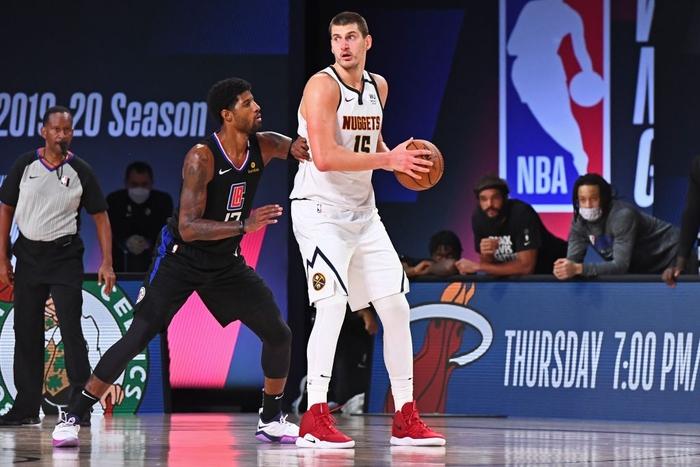 """""""Bay màu"""" trước Denver Nuggets ở game 7, Los Angeles Clippers ê chề rời khỏi NBA Playoffs 2020 - Ảnh 2."""