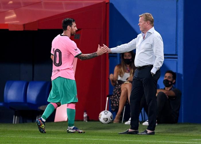 Trong bộ trang phục nấm lùn, Messi lập siêu phẩm theo cách ít thấy - Ảnh 9.