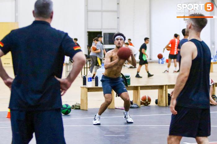 Hội ngộ đồng đội tại đại bản doanh Saigon Heat, Christian Juzang sẵn sàng cho VBA 2020 - Ảnh 2.