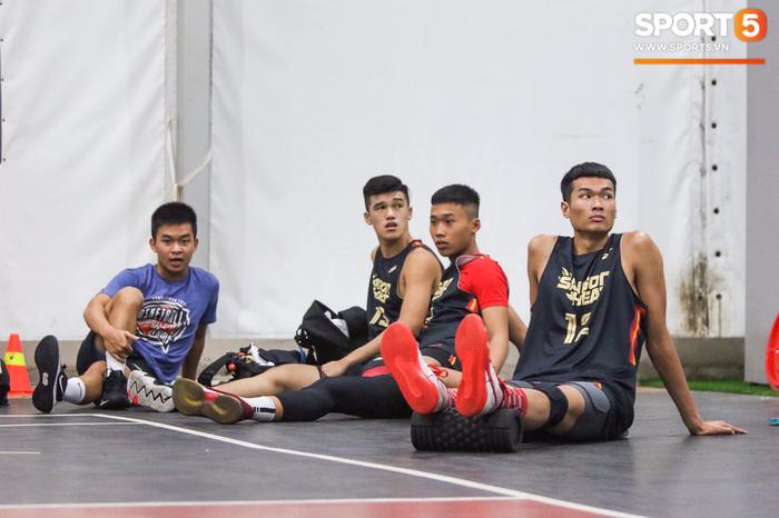 Hội ngộ đồng đội tại đại bản doanh Saigon Heat, Christian Juzang sẵn sàng cho VBA 2020 - Ảnh 3.