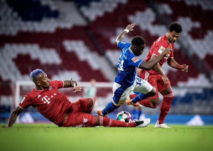 Nhà vô địch châu Âu tái hiện chiến thắng kinh hoàng 8 bàn trước Barcelona trong trận khai màn Bundesliga - Ảnh 8.