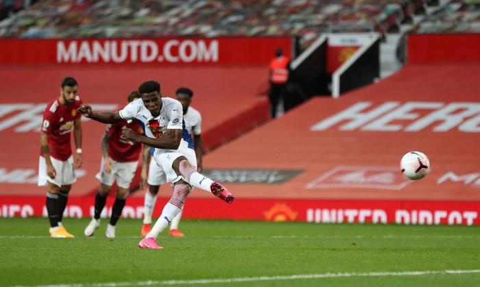 Cú sốc đầu tiên ở Ngoại hạng Anh 2020/2021: MU thua thảm ngay trên sân nhà bởi người cũ - ảnh 7