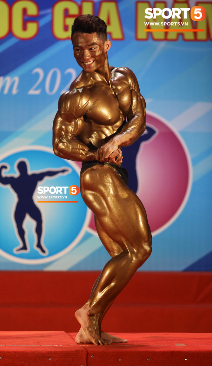 """Hot boy 2K """"mặt học sinh, thân hình chiến binh"""" Nguyễn Văn Quốc giành cả 2 HCV ở hạng 80 cân tại giải Cúp CLB thể hình toàn quốc - Ảnh 6."""