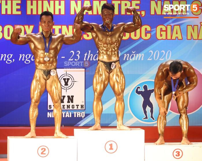 """Hot boy 2K """"mặt học sinh, thân hình chiến binh"""" Nguyễn Văn Quốc giành cả 2 HCV ở hạng 80 cân tại giải Cúp CLB thể hình toàn quốc - Ảnh 7."""