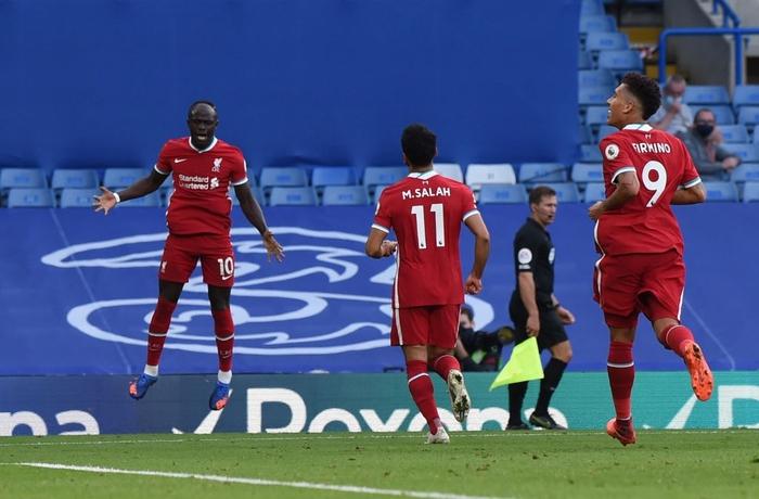 Tấm thẻ đỏ bước ngoặt, sai lầm tai hại và quả đá phạt đền chân sáo hỏng ăn khiến Chelsea gục ngã trước Liverpool - Ảnh 6.