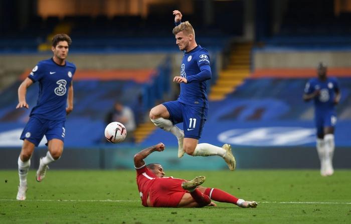 Tấm thẻ đỏ bước ngoặt, sai lầm tai hại và quả đá phạt đền chân sáo hỏng ăn khiến Chelsea gục ngã trước Liverpool - Ảnh 7.