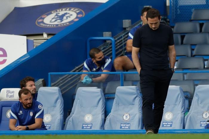 Tấm thẻ đỏ bước ngoặt, sai lầm tai hại và quả đá phạt đền chân sáo hỏng ăn khiến Chelsea gục ngã trước Liverpool - Ảnh 9.
