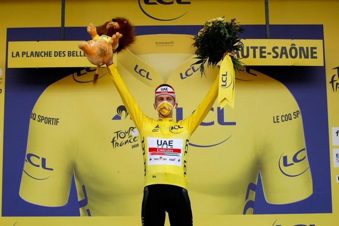 Pogacar trở thành nhà vô địch Tour de France trẻ nhất lịch sử trong vòng 111 năm - Ảnh 1.