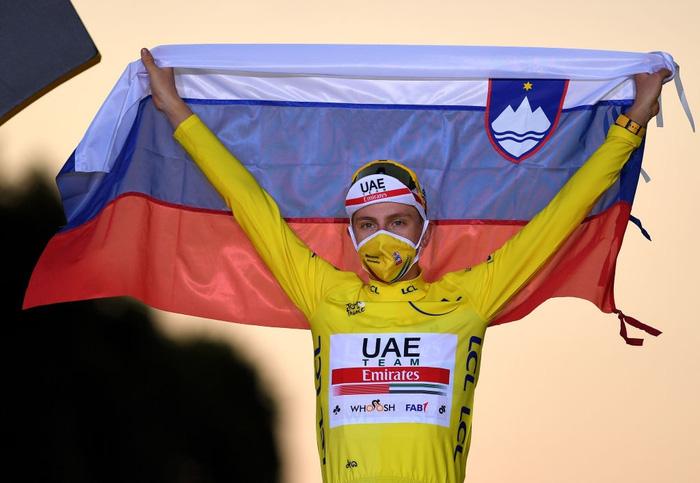 Pogacar trở thành nhà vô địch Tour de France trẻ nhất lịch sử trong vòng 111 năm - Ảnh 3.