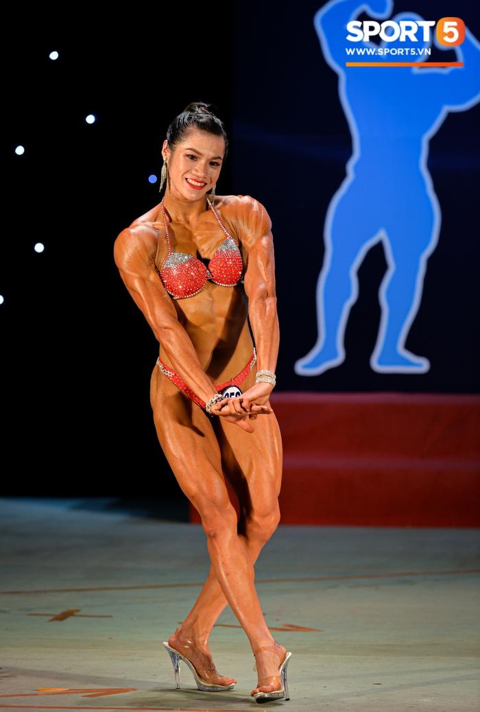 Tỏa sáng trong bộ bikini, Hot Tiktoker Trần Ny Ny nâng tổng số huy chương Vàng tại giải thể hình quốc gia lên con số 4 - Ảnh 5.