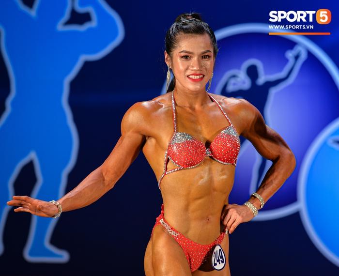 Tỏa sáng trong bộ bikini, Hot Tiktoker Trần Ny Ny nâng tổng số huy chương Vàng tại giải thể hình quốc gia lên con số 4 - Ảnh 2.