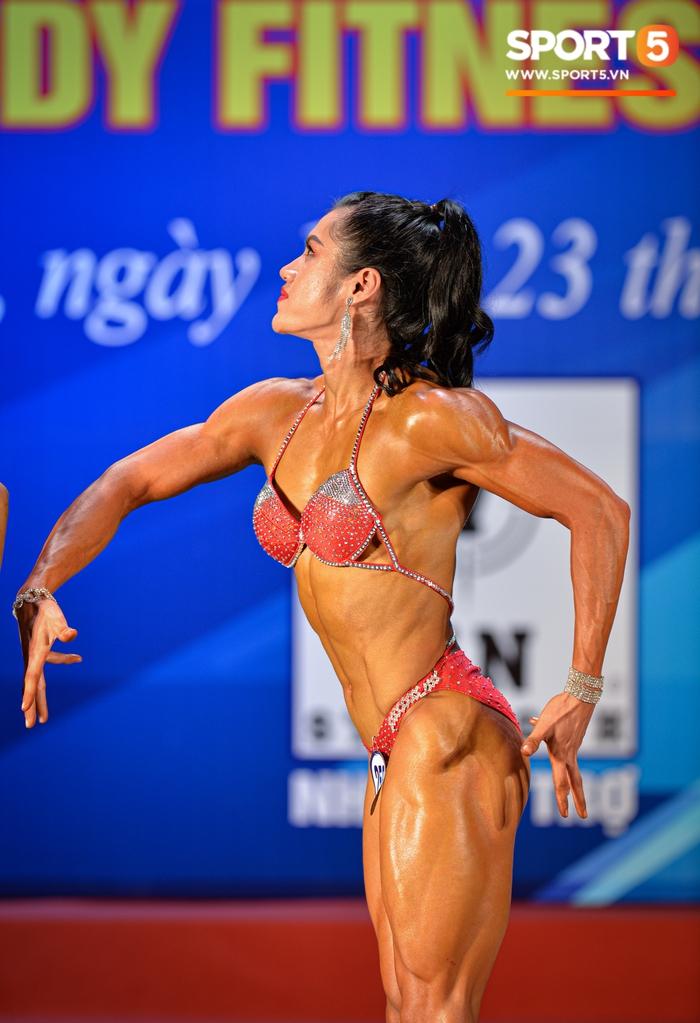 Tỏa sáng trong bộ bikini, Hot Tiktoker Trần Ny Ny nâng tổng số huy chương Vàng tại giải thể hình quốc gia lên con số 4 - Ảnh 6.