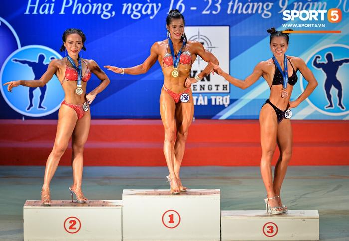 Tỏa sáng trong bộ bikini, Hot Tiktoker Trần Ny Ny nâng tổng số huy chương Vàng tại giải thể hình quốc gia lên con số 4 - Ảnh 3.
