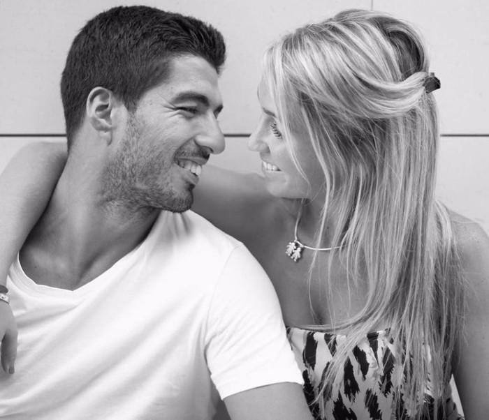 Luis Suarez rời Barcelona, nơi lưu giữ kỷ niệm về mối tình tuổi teen đẹp như mơ - Ảnh 3.