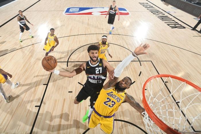 Chứng minh đẳng cấp Playoffs, LeBron James đưa Los Angeles Lakers đến với tỉ số 3-1 trước Denver Nuggets - Ảnh 2.