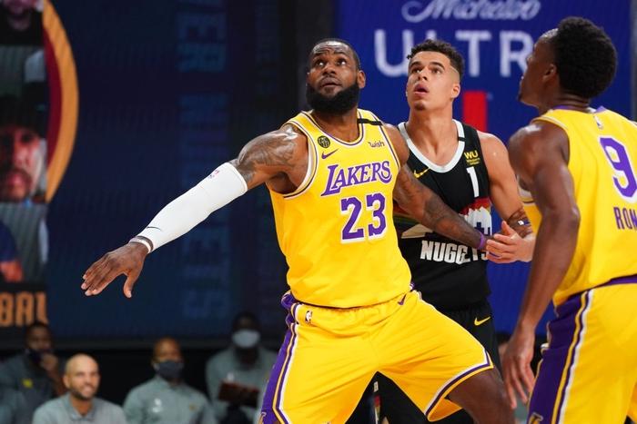 Chứng minh đẳng cấp Playoffs, LeBron James đưa Los Angeles Lakers đến với tỉ số 3-1 trước Denver Nuggets - Ảnh 3.