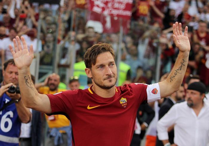 """Trải qua 9 tháng hôn mê, fan nữ hồi tỉnh thần kỳ sau khi nghe giọng của """"Hoàng tử thành Rome"""" Totti  - Ảnh 4."""