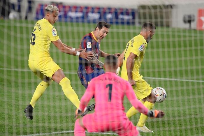 Messi ghi bàn, Barcelona thắng tưng bừng trận ra quân La Liga - ảnh 4