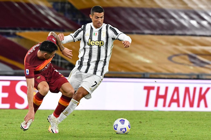 Ronaldo chói sáng với cú đúp bàn thắng cứu Juventus thoát thua ở thành Rome - ảnh 3