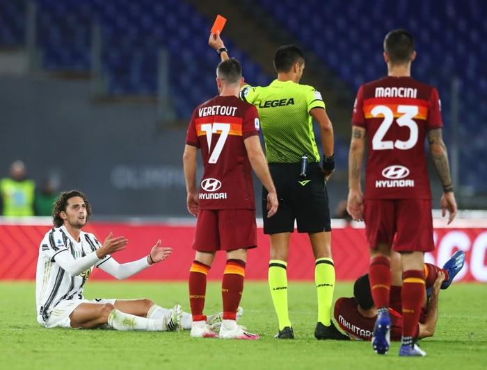 Ronaldo chói sáng với cú đúp bàn thắng cứu Juventus thoát thua ở thành Rome - Ảnh 6.