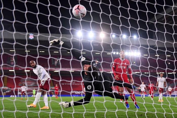 Người hùng hóa tội đồ, Arsenal thua tâm phục ĐKVĐ Ngoại hạng Anh - Ảnh 4.