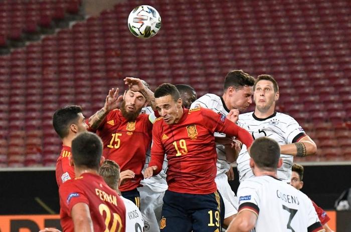 Tuyển Đức nhận bàn thua đúng phút bù giờ cuối, tiếc nuối để Tây Ban Nha cầm hòa - Ảnh 1.