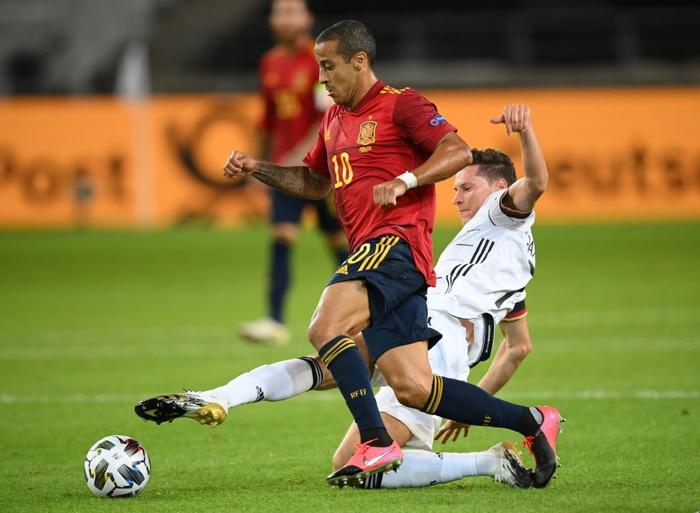 Tuyển Đức nhận bàn thua đúng phút bù giờ cuối, tiếc nuối để Tây Ban Nha cầm hòa - Ảnh 2.