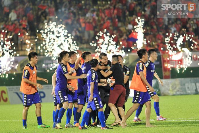 Quang Hải, Hà Nội bất lực nhìn Bình Dương tiến thẳng vào chung kết Cúp Quốc gia - Ảnh 9.