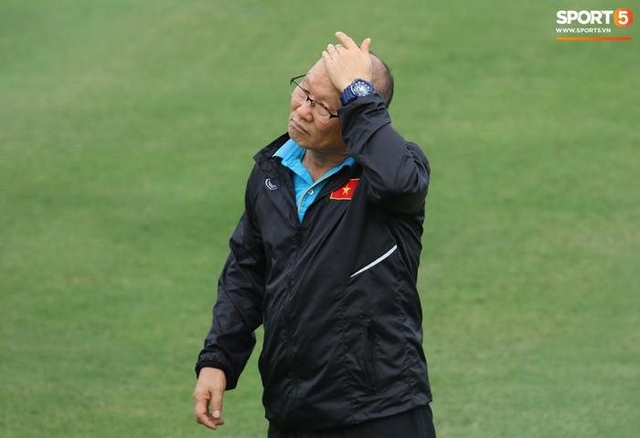Nhật ký AFF Cup 2018 ngày 11/10: Thầy Park vẫn là điều khác biệt nhất.  - Ảnh 1.