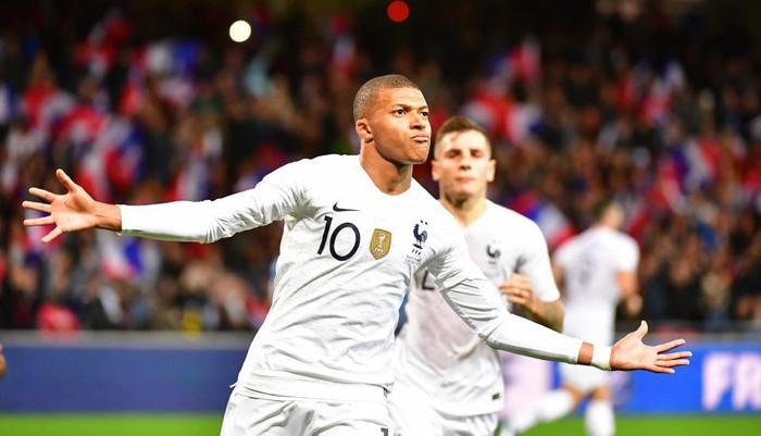 Nhà vô địch thế giới Pháp thoát thua hú vía nhờ bàn thắng phút 90 của Mbappe - Ảnh 8.