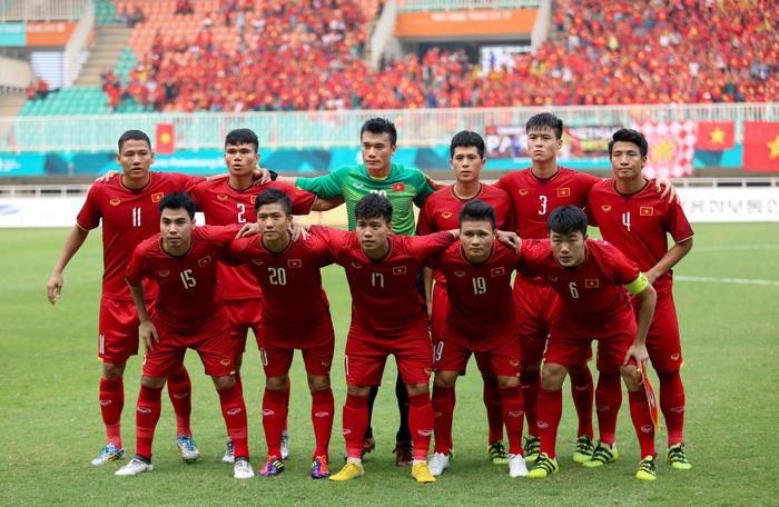 Trách trợ lý Lê Huy Khoa, còn ai để lộ danh sách ĐT Việt Nam trước AFF Cup 2018? - Ảnh 1.