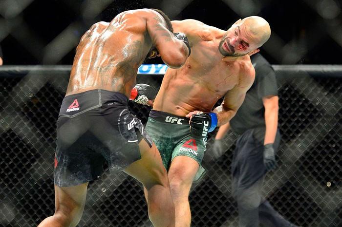 Bạn thân nhất của McGregor bị đánh bầm dập, sắp bật bãi tại UFC - Ảnh 6.