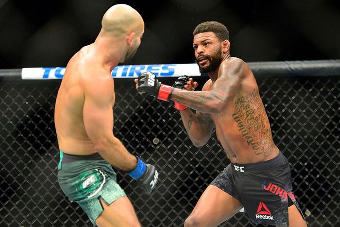 Bạn thân nhất của McGregor bị đánh bầm dập, sắp bật bãi tại UFC - Ảnh 3.