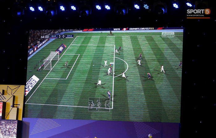 Thi đấu FIFA 18, huấn luyện viên Tư Dũng vùi dập đội của Trọng Đại 3-0  - Ảnh 6.