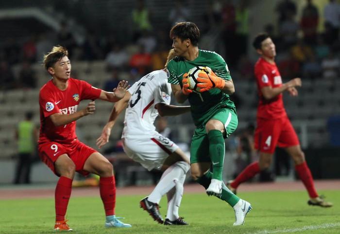 Nhằm tăng cường tinh thần dân tộc, LĐBĐ Trung Quốc cho các cầu thủ thành hậu duệ mặt trời - Ảnh 1.
