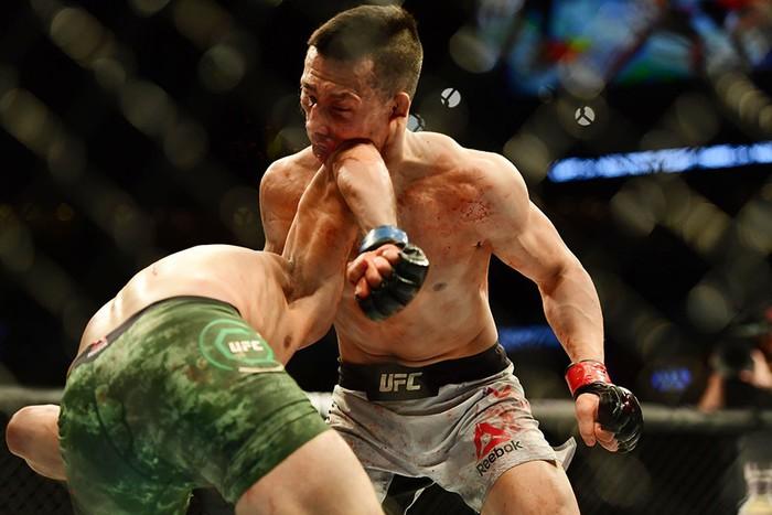 Võ sĩ Hàn Quốc thua đau ở giây cuối trong màn so tài hay bậc nhất lịch sử UFC - Ảnh 7.
