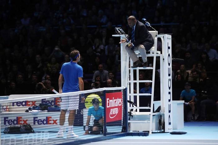 Bị la ó sau khi hạ gục Federer, tài năng trẻ nghẹn ngào nói lời xin lỗi - Ảnh 7.