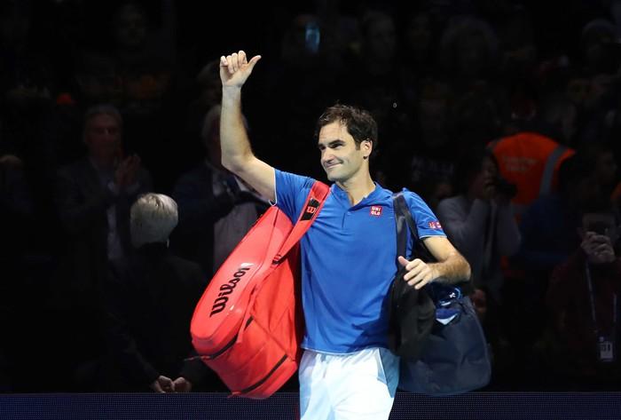 Bị la ó sau khi hạ gục Federer, tài năng trẻ nghẹn ngào nói lời xin lỗi - Ảnh 9.