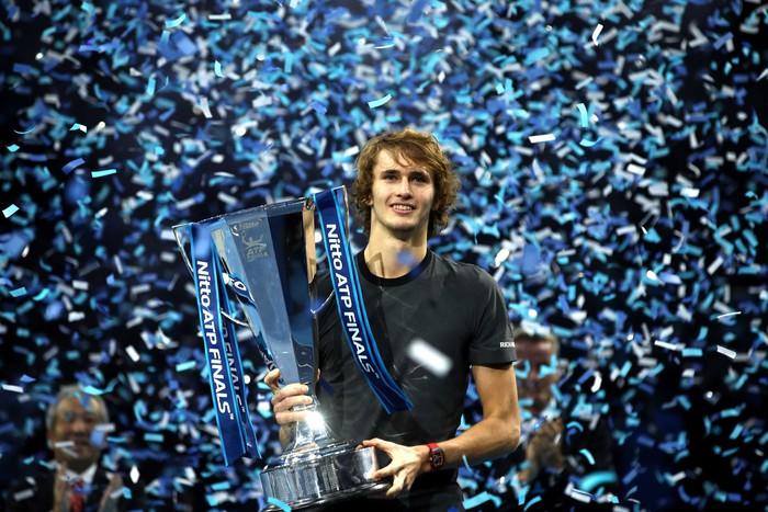 Hạ cả Federer và Djokovic, tài năng trẻ người Đức làm điều không tưởng để đăng quang ATP Finals - Ảnh 10.