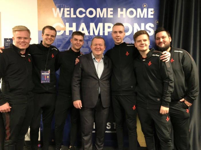 [Điểm tin Esports ngày 4/11] Thủ tướng Đan Mạch tham dự và phát biểu tại giải đấu Esports: VĐV Esports là nguồn cảm hứng cho thế giới ngày mai - Ảnh 1.