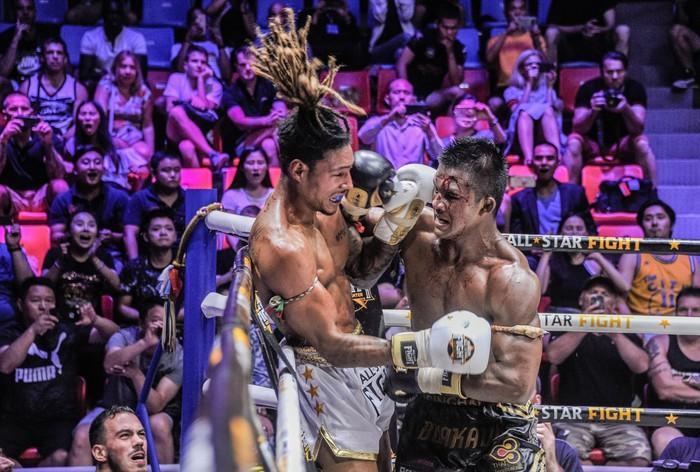 Bất chấp đổ máu, Thánh Muay Buakaw vẫn hạ đẹp nhà vô địch châu Âu - Ảnh 8.
