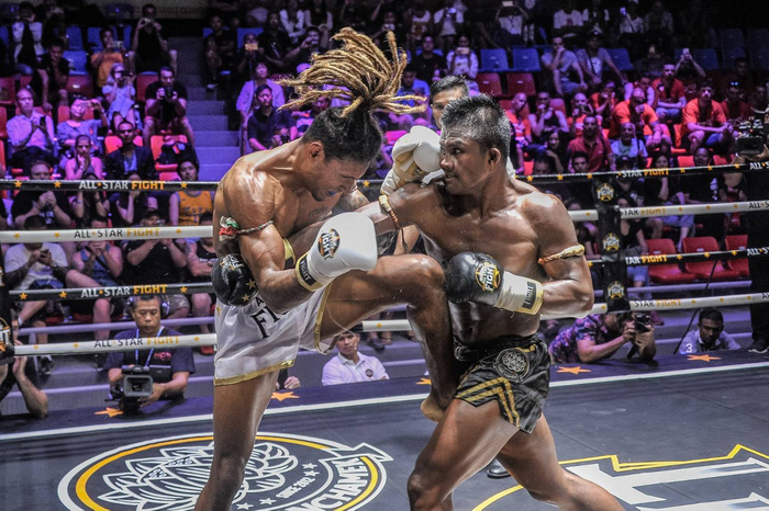 Bất chấp đổ máu, Thánh Muay Buakaw vẫn hạ đẹp nhà vô địch châu Âu - Ảnh 6.