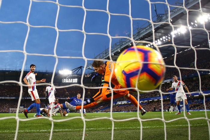Điệu đà không cần thiết, Morata bỏ lỡ cơ hội mười mươi để lập hat-trick cho Chelsea - Ảnh 3.