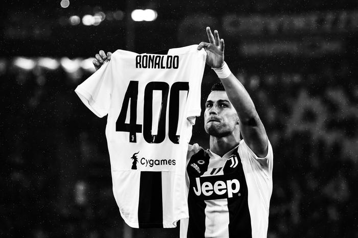 Ronaldo từng bị chọc quê vì luyện tập như nhân vật chính của bộ truyện 7 viên ngọc rồng - Ảnh 1.