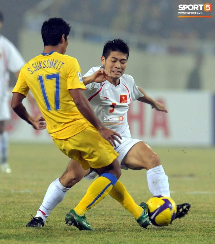 Nhìn lại những khoảnh khắc kỳ diệu trong ngày Việt Nam giành ngôi vương tại AFF Cup 2008 - Ảnh 3.
