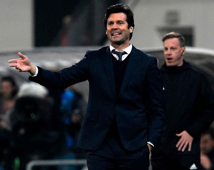 Man City 6-0 Shakhtar Donetsk: Tự vấp cỏ ngã kiếm 11 m, Sterling khiến thầy Guardiola nổi giận - Ảnh 11.