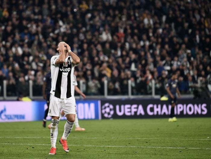 Ghi bàn vào lưới Man United, Ronaldo có pha ăn mừng khiến các chị em phải phát sốt - Ảnh 7.